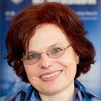 Portraitfoto Dr. Margareth Stoll
